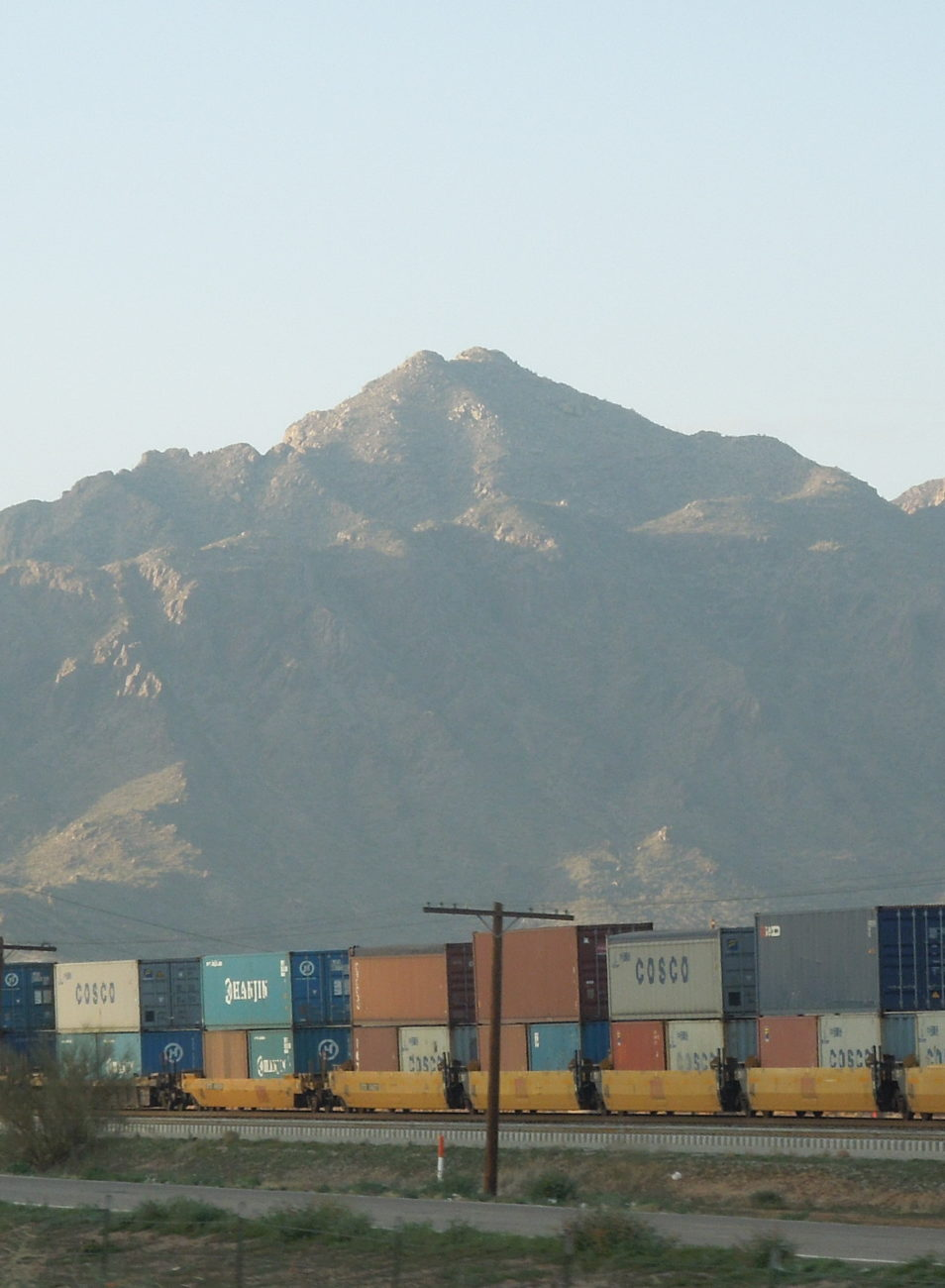 cropped-Freight_train_in_Tucson_Arizona_2-e1454808378305.jpg